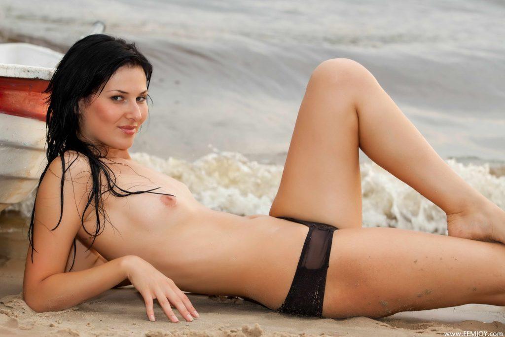Hot Naked Brunette